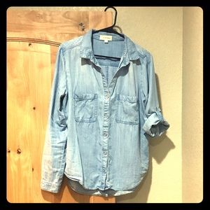 ONLY WORN TWICE Cloth & Stone Chambray Button Up